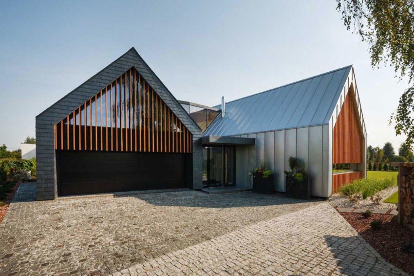 Two Barns House by RS+ (3)