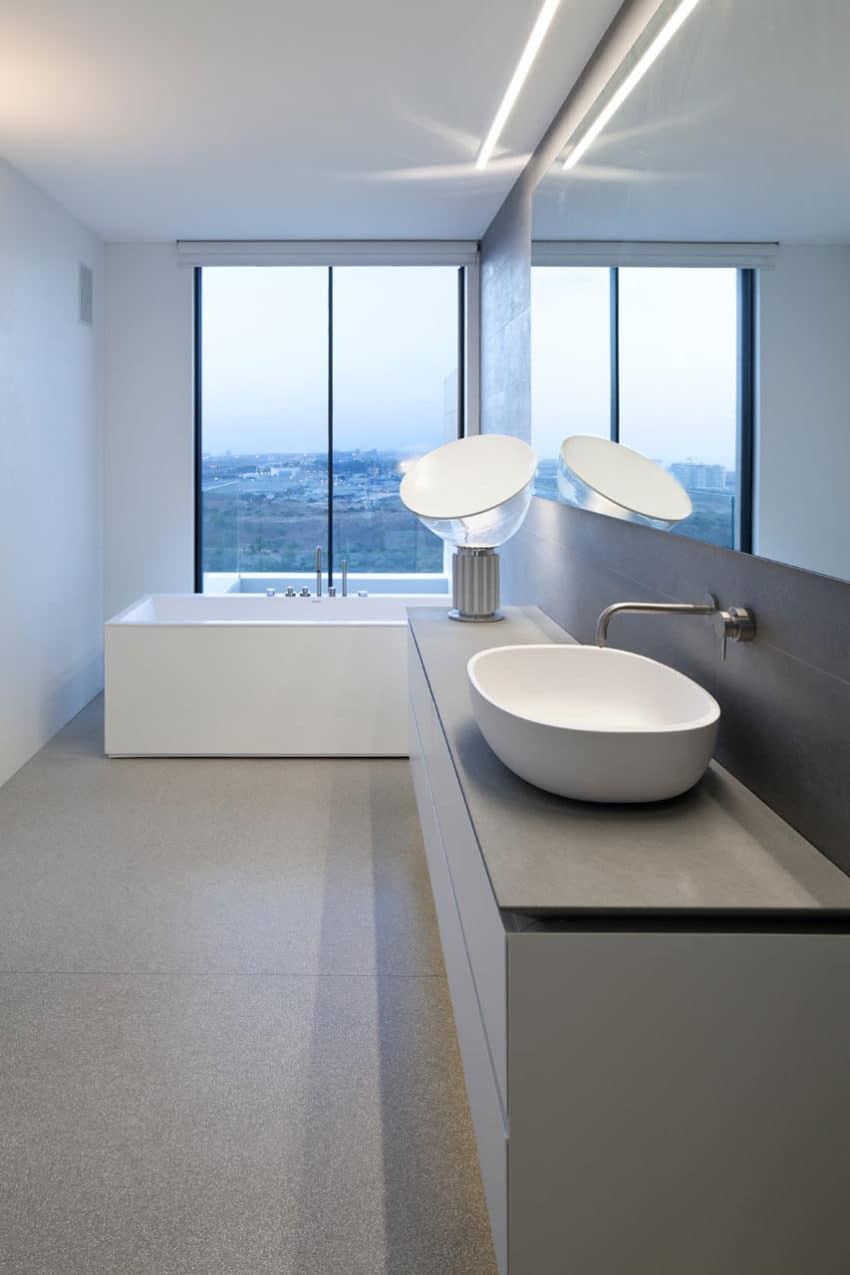 Y Duplex Penthouse by Pitsou Kedem Architects (16)