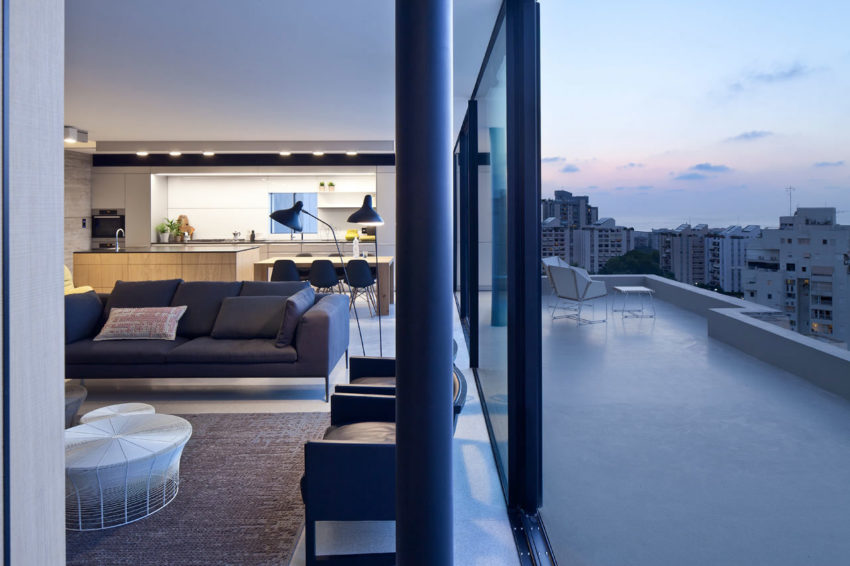 Y Duplex Penthouse by Pitsou Kedem Architects (18)