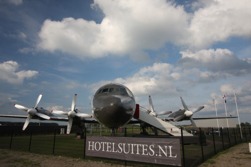 Airplane Suite (2)