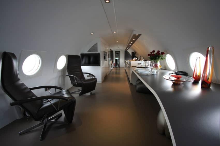 Airplane Suite (8)