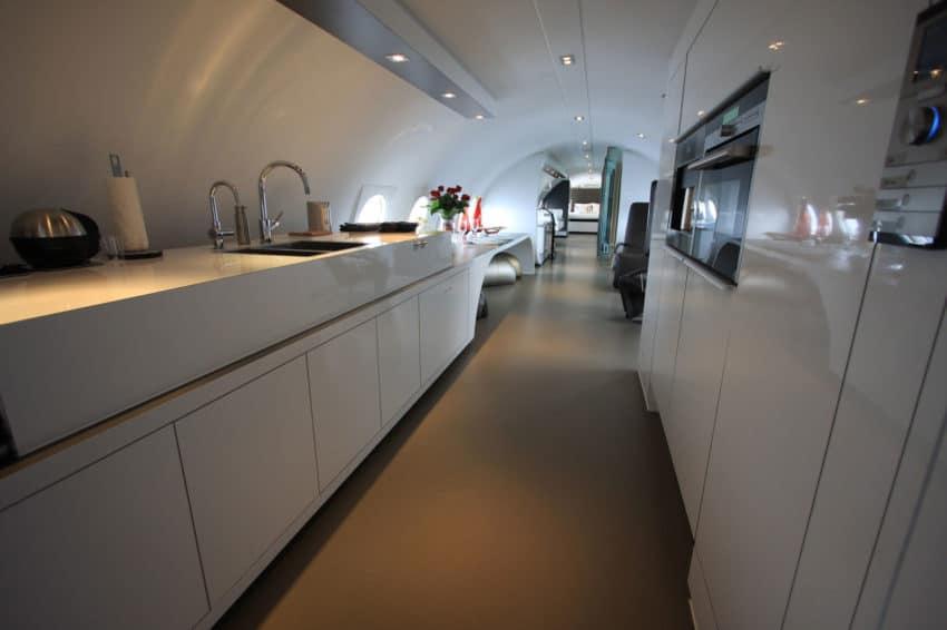 Airplane Suite (9)