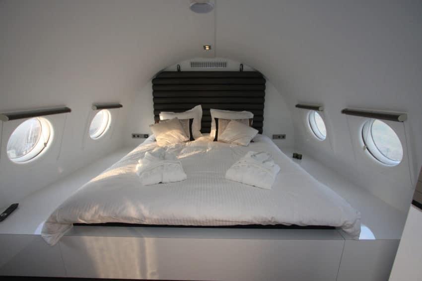Airplane Suite (11)
