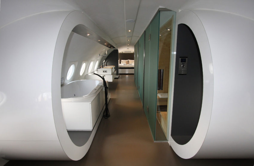 Airplane Suite (12)