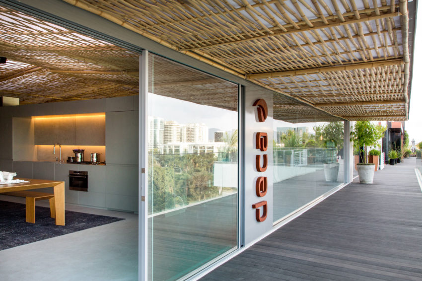 Casa Cor 2014: Tropical Loft by Gisele Taranto Arq (2)