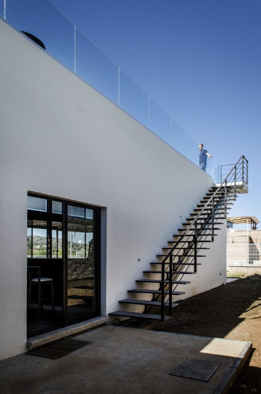 Casa La Tomatina by Plastik Arquitectos (5)
