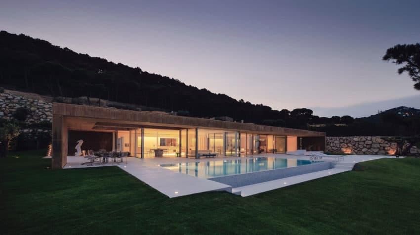 Casa en Aiguablava by MANO Arquitectura (11)