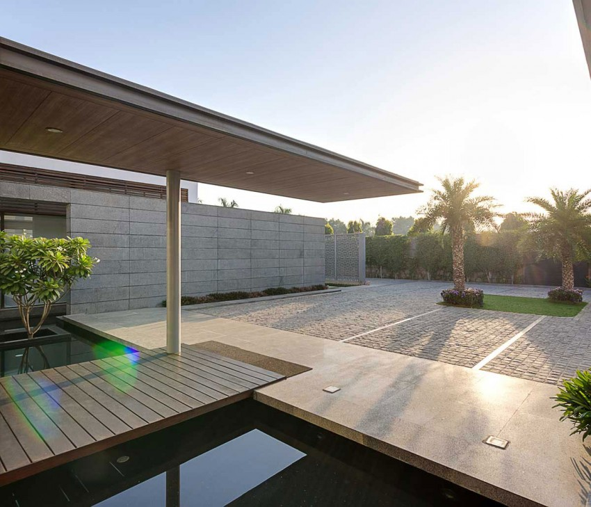 Center Court Villa by DADA Partners (4)