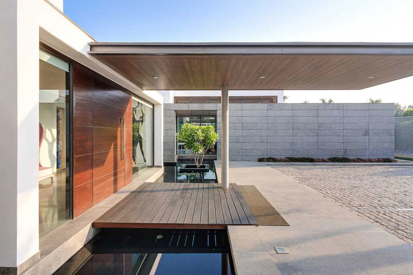 Center Court Villa by DADA Partners (5)