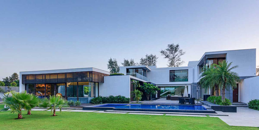 Center Court Villa by DADA Partners (19)