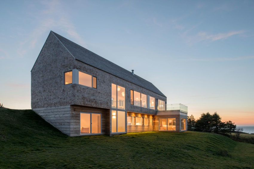 Harbour Heights Residence by Omar Gandhi Architect (11)