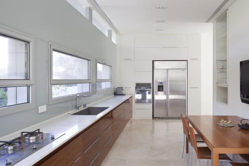 Herzeliyya House by Amitzi Architects (15)
