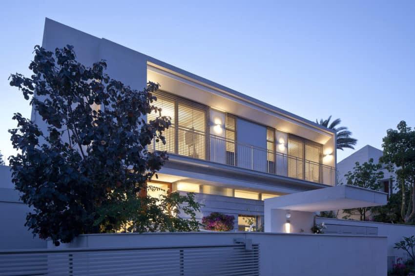 Herzeliyya House by Amitzi Architects (20)