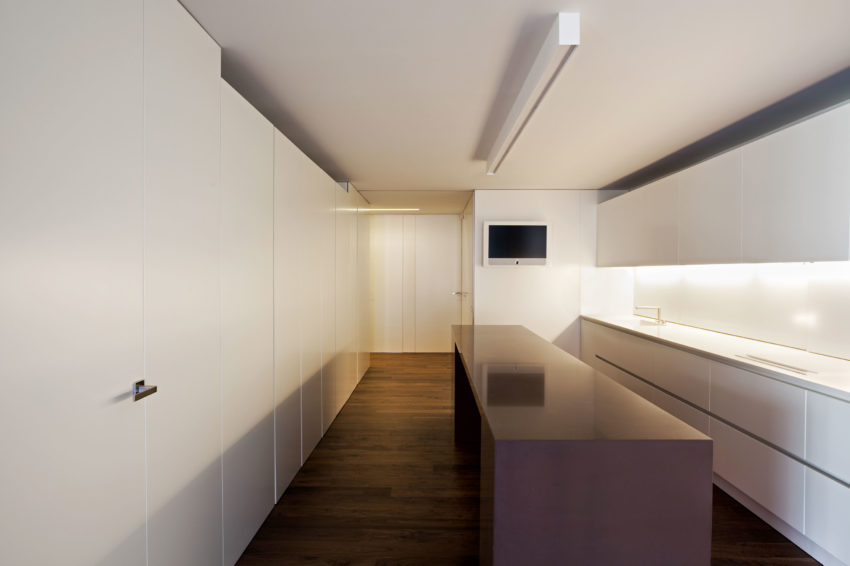 House Built Into the City by Fran Silvestre Arquitectos (2)