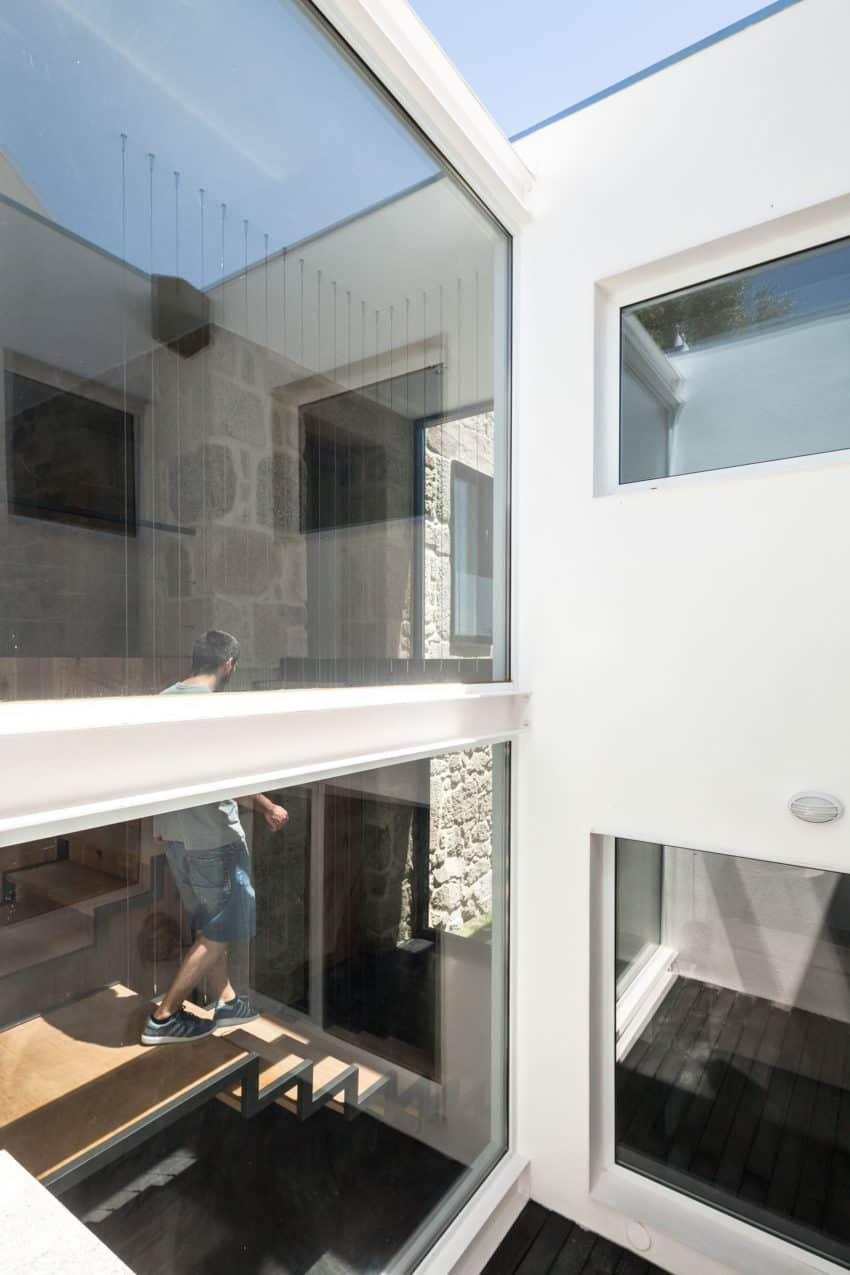 House JA by Filipe Pina & Inês Costa (7)