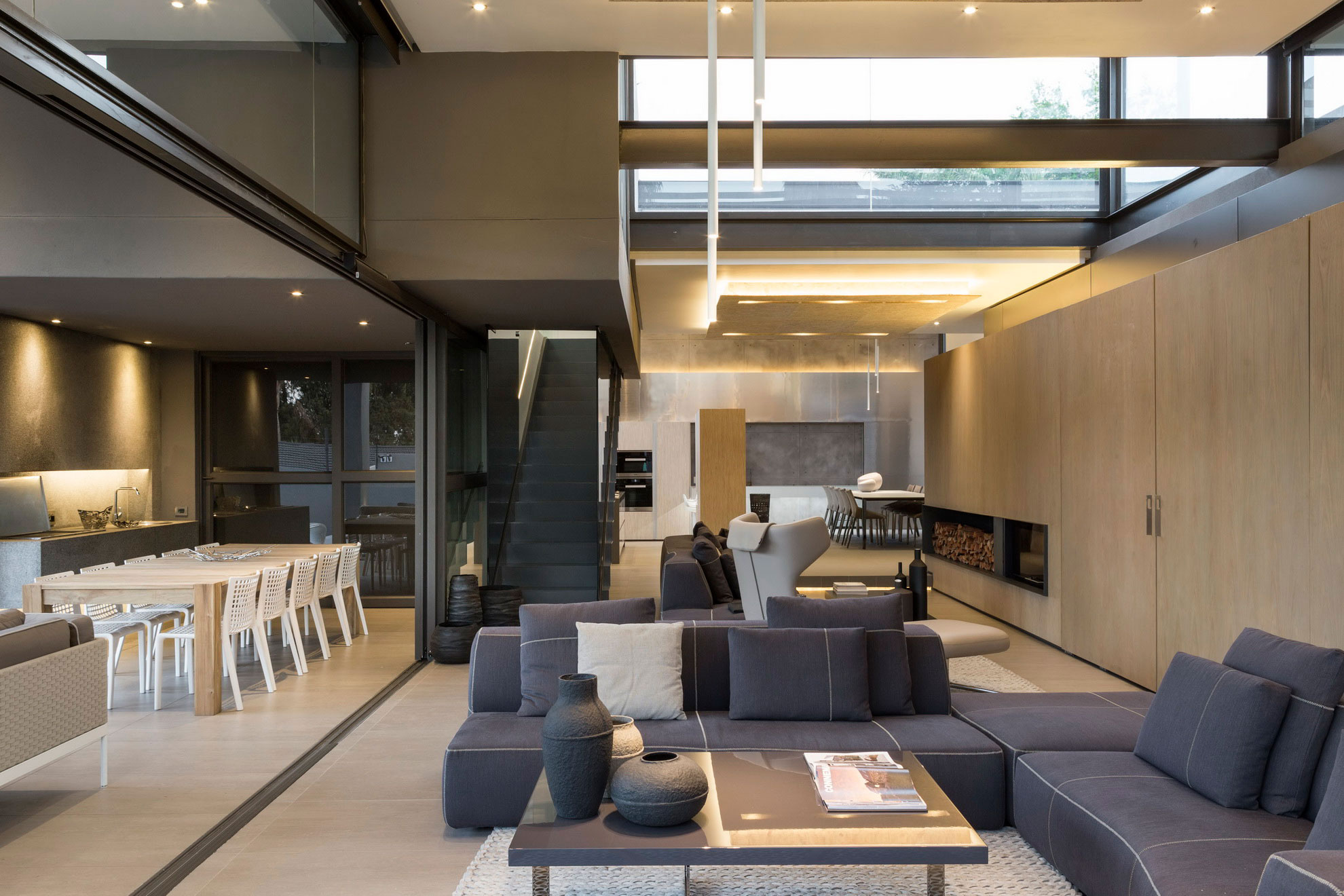 House Sar by Nico van der Meulen Architects