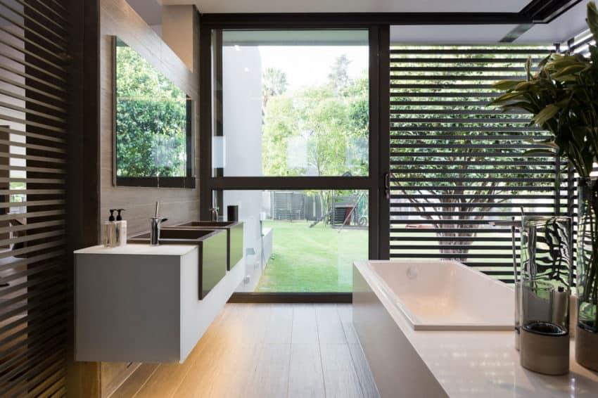 House Sar by Nico van der Meulen Architects (26)