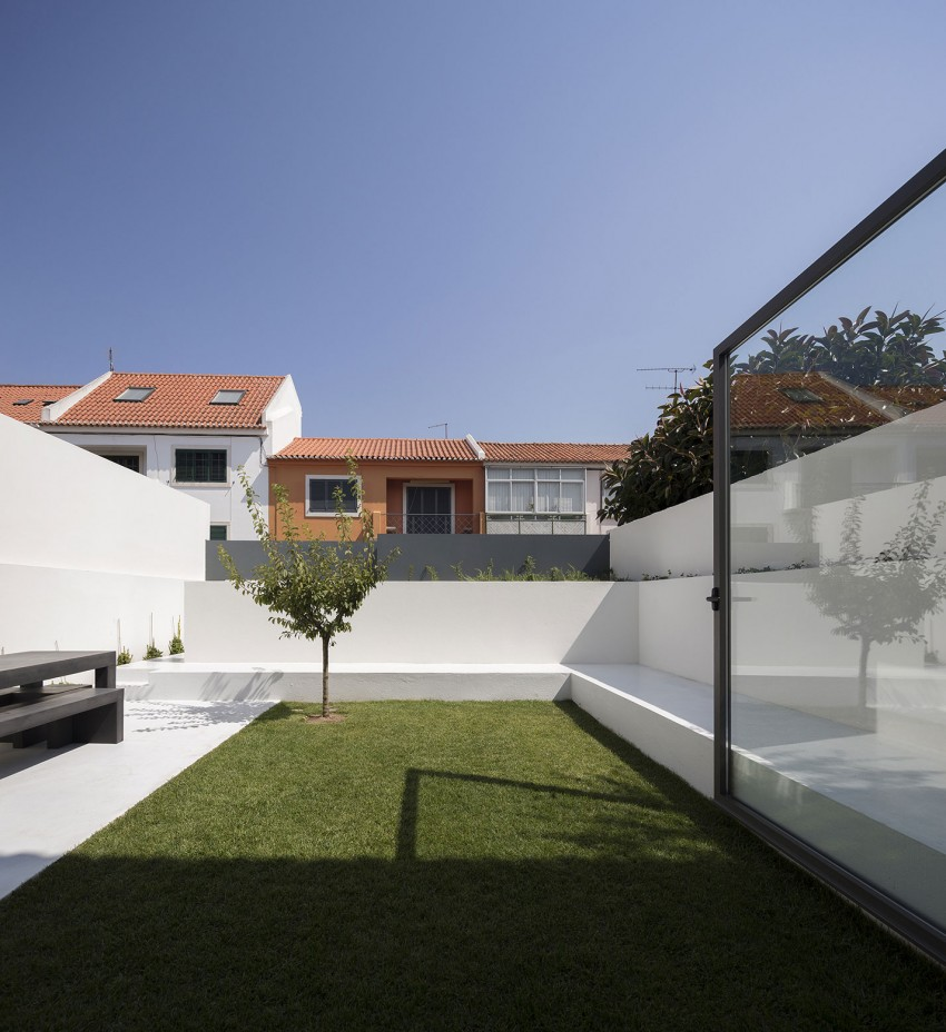 House in Restelo by Antonio Costa Lima Arquitectos (2)