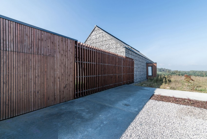 House in the Landscape by Kropka Studio (10)