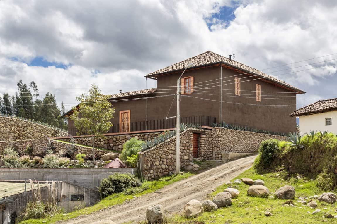 Loma House by Iván Andrés Quizhpe (1)