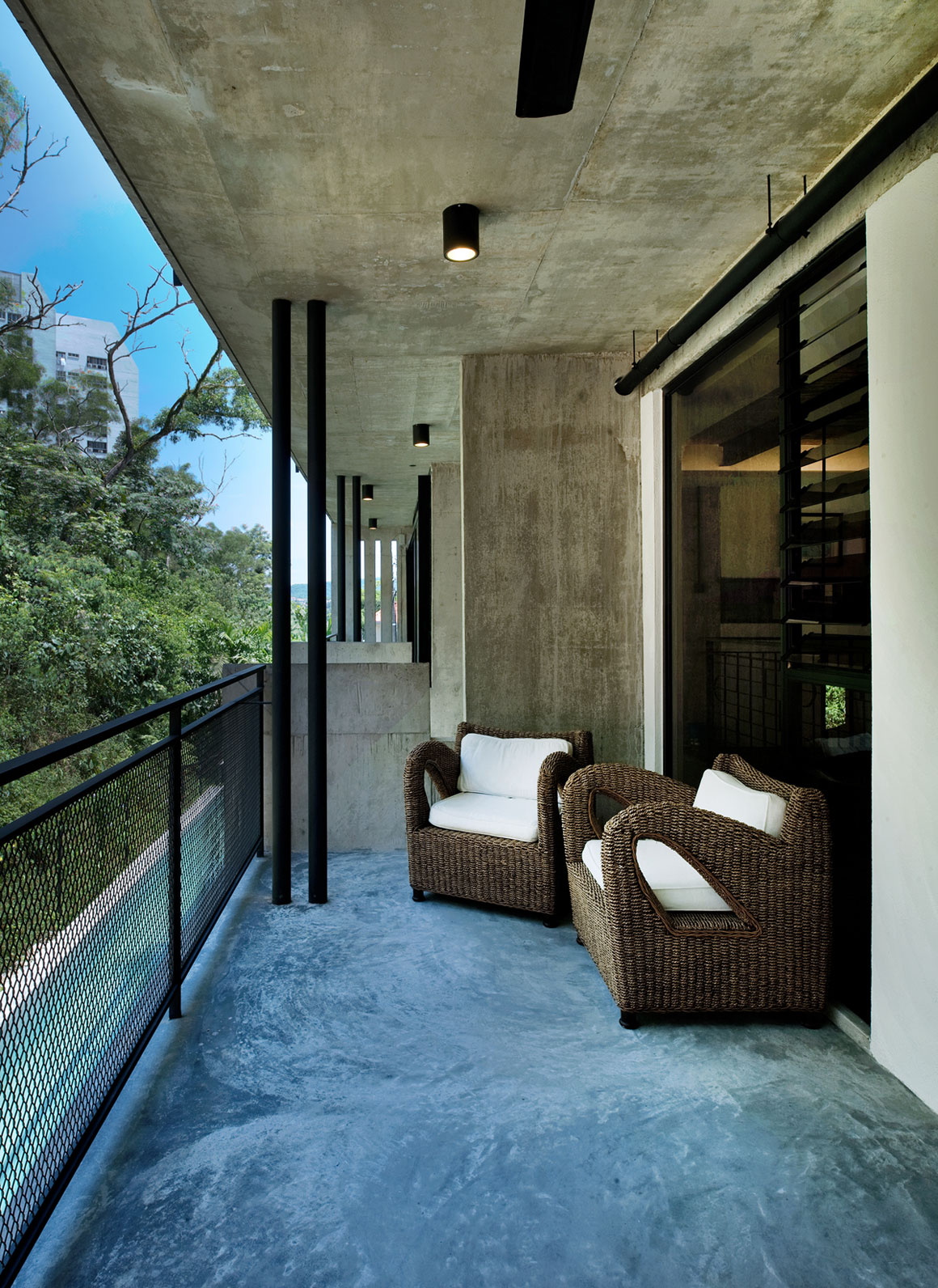 Menerung House by Seshan Design Sdn Bhd (5)