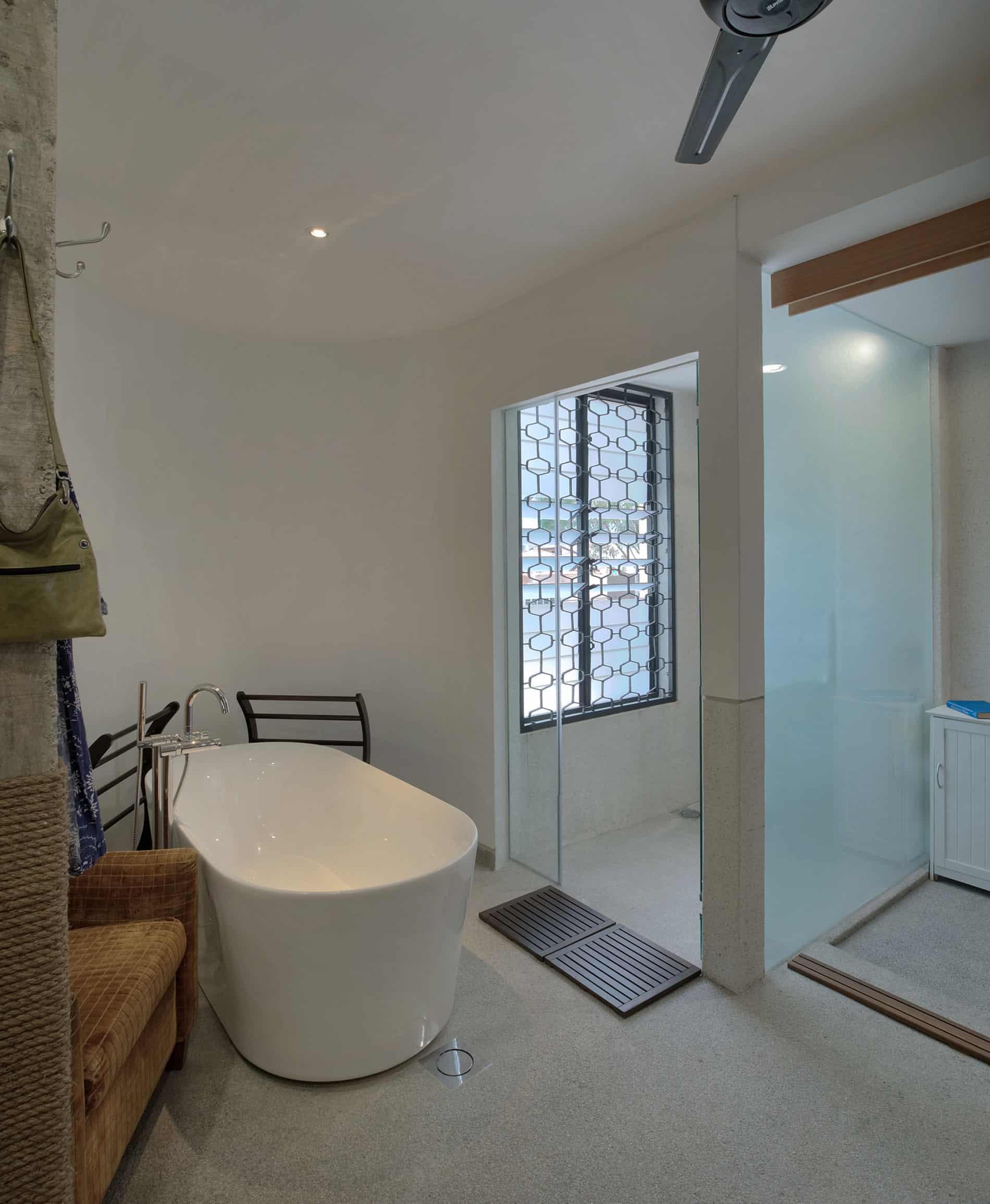 Menerung House by Seshan Design Sdn Bhd (21)