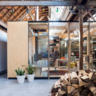 Office Space in Former Factory by Julie D'Aubioul (5)