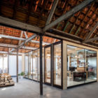 Office Space in Former Factory by Julie D'Aubioul (6)