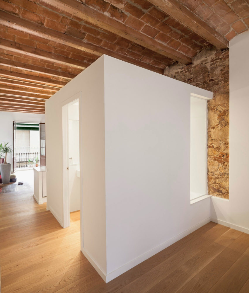 Renovation Apartment in Les Corts by Sergi Pons (9)
