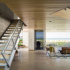 Seagrape House by Traction Architecture (9)