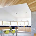 Seagrape House by Traction Architecture (10)