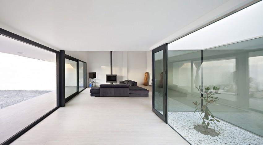 Single Family House with Garden by DTR_Studio Arquitectos (5)
