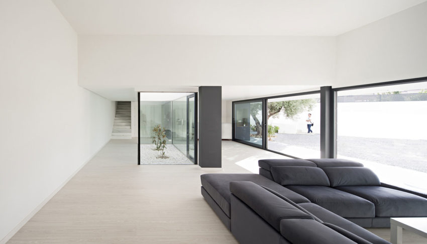 Single Family House with Garden by DTR_Studio Arquitectos (8)