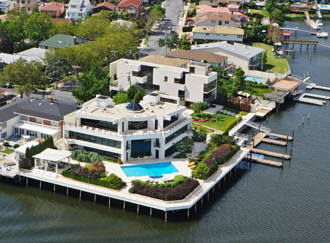 Stunning Home in Mill Basin