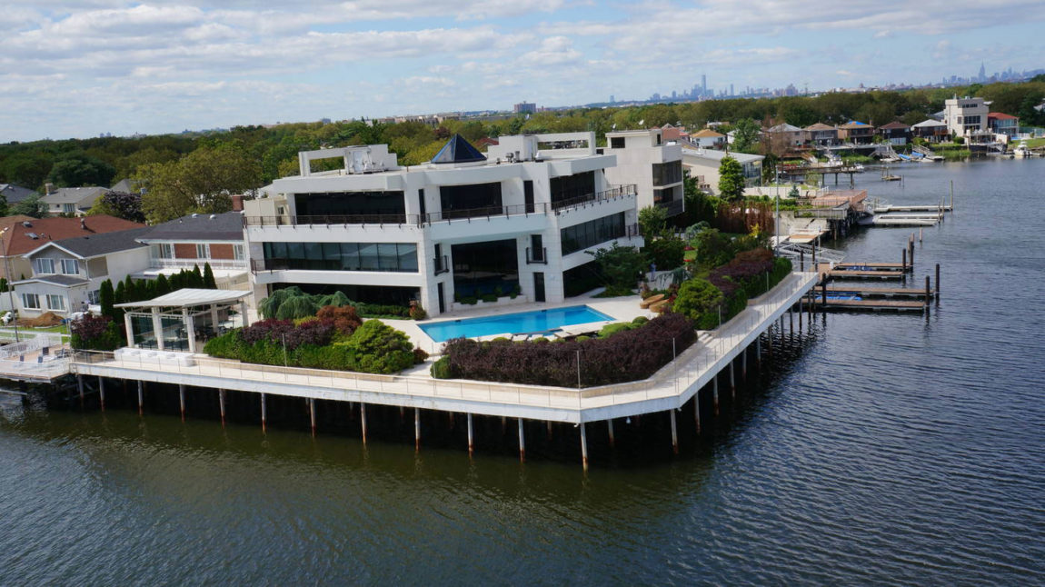 Stunning Home in Mill Basin (3)
