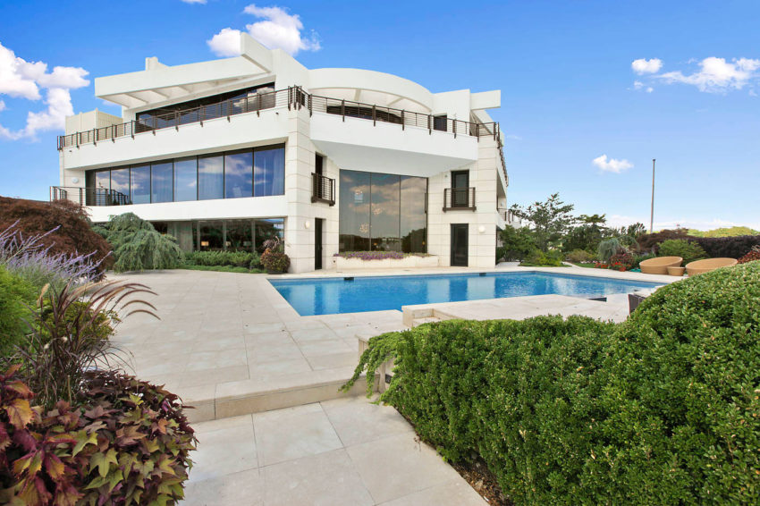 Stunning Home in Mill Basin (4)