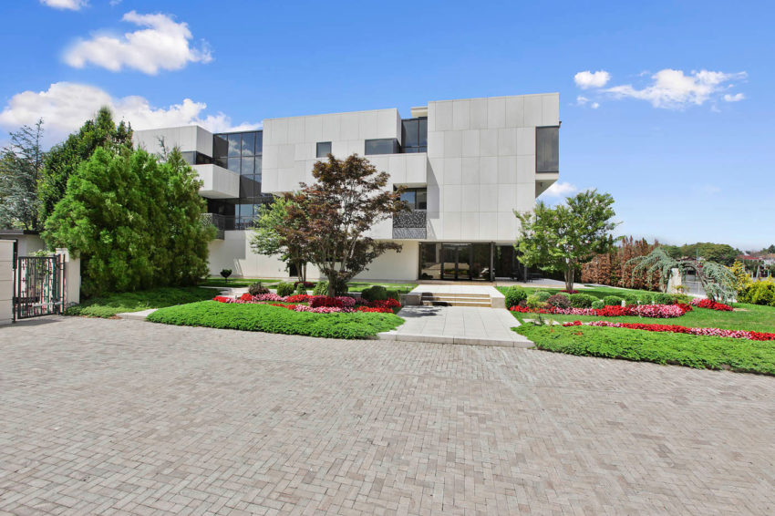 Stunning Home in Mill Basin (13)