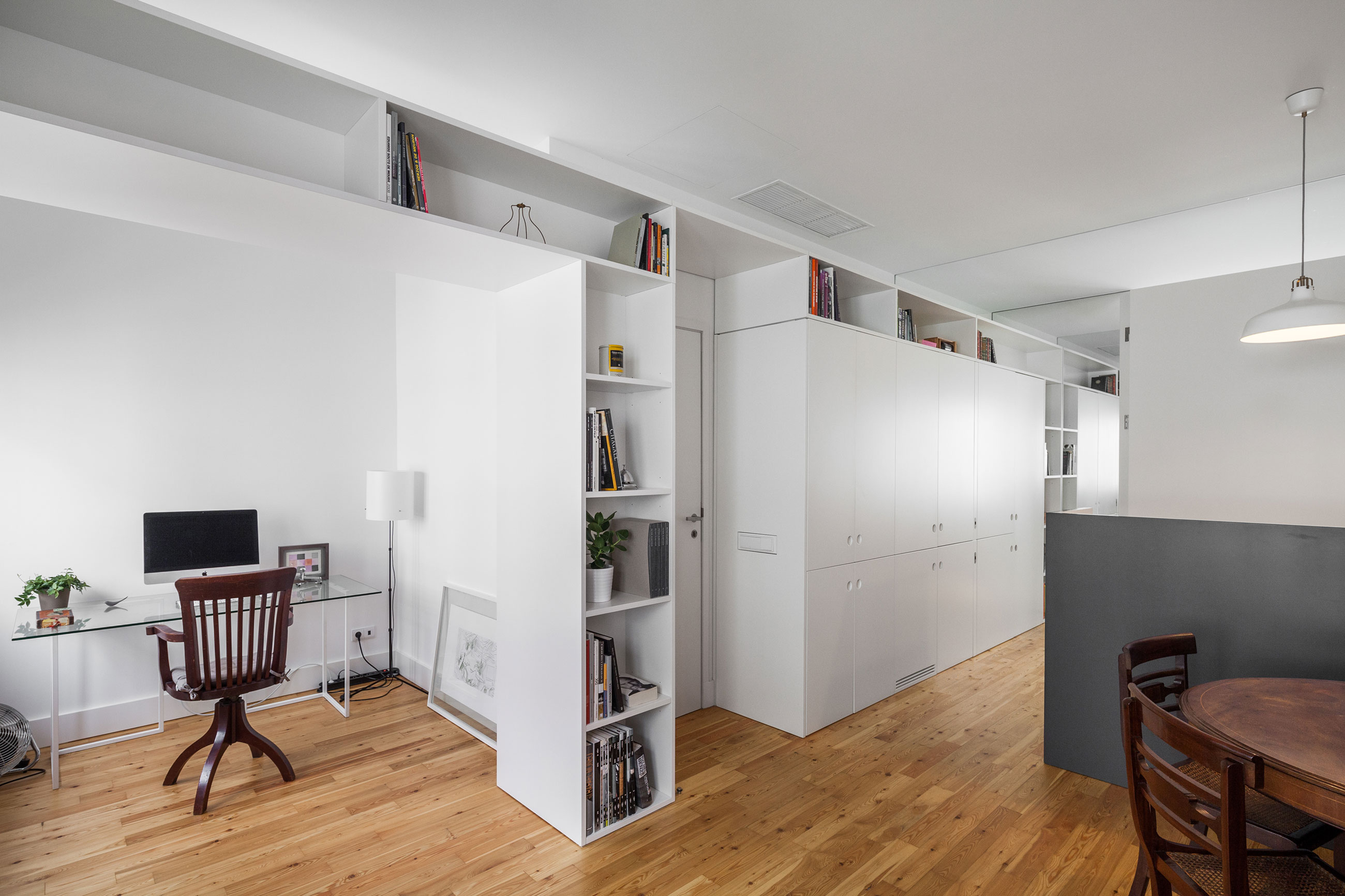 Apartment AB9 by Filipe Melo Oliveira