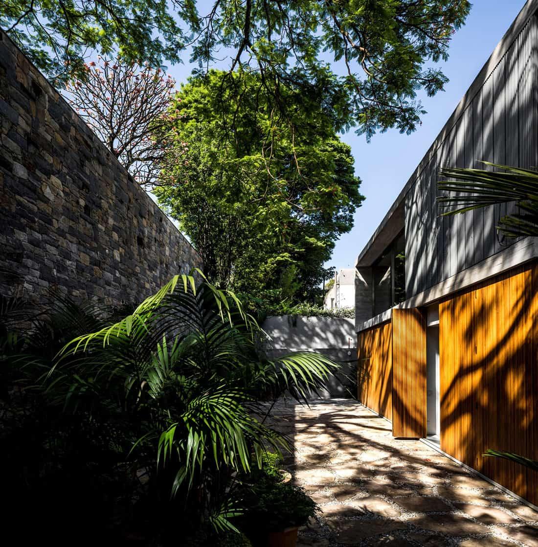B+B House by studio mk27 & Galeria Arquitetos (2)