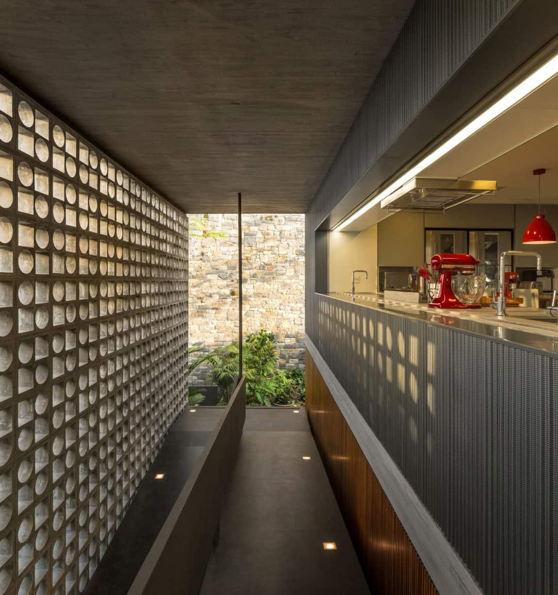 B+B House by studio mk27 & Galeria Arquitetos (9)