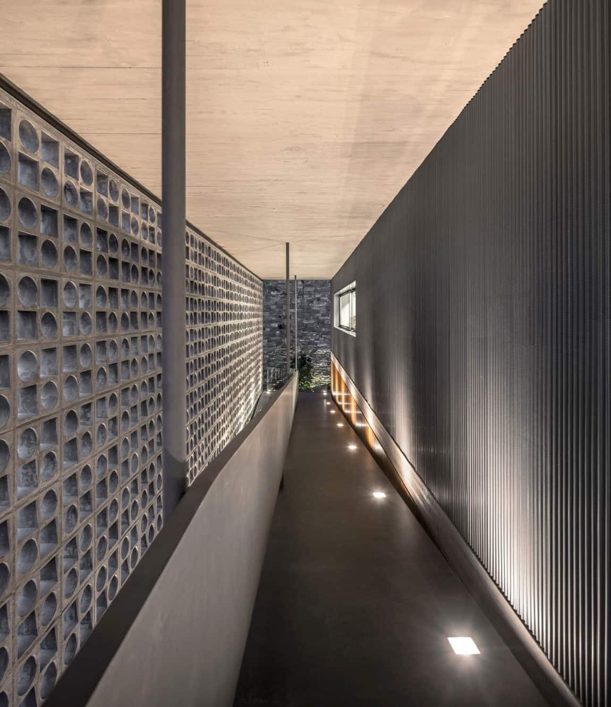 B+B House by studio mk27 & Galeria Arquitetos (26)