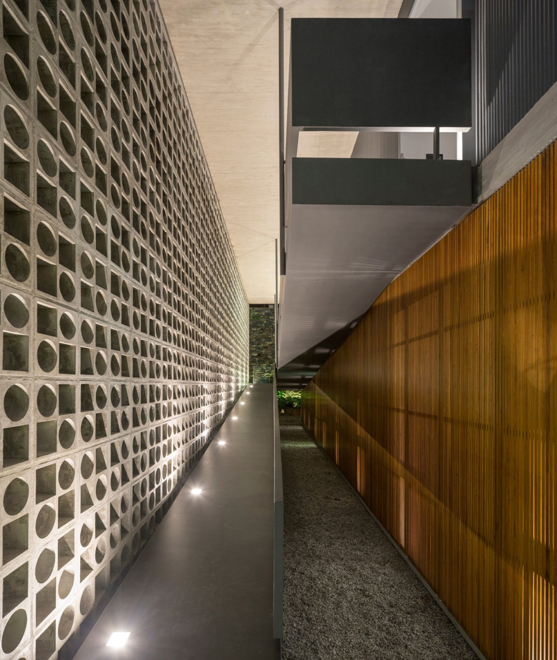 B+B House by studio mk27 & Galeria Arquitetos (28)