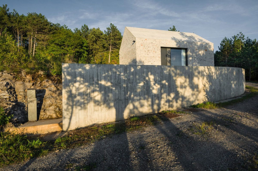 Compact Karst House by dekleva gregorič arhitekti (3)