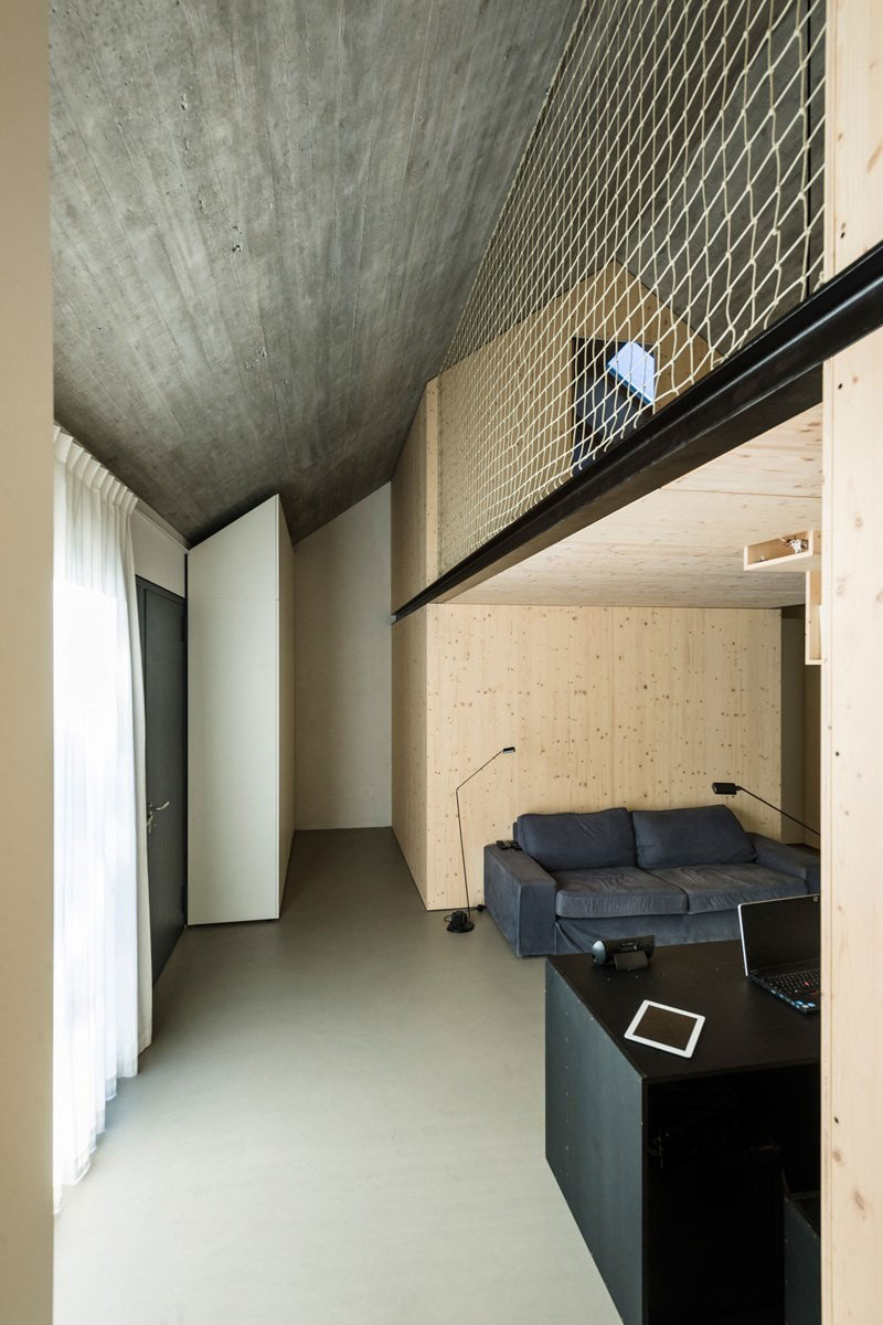 Compact Karst House by dekleva gregorič arhitekti (7)
