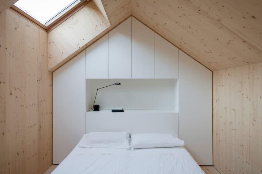 Compact Karst House by dekleva gregorič arhitekti (15)