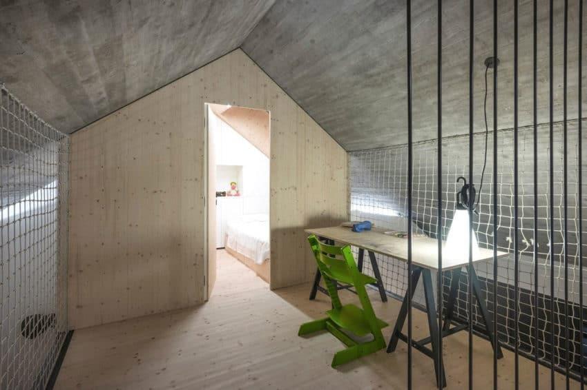 Compact Karst House by dekleva gregorič arhitekti (19)