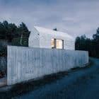 Compact Karst House by dekleva gregorič arhitekti (23)