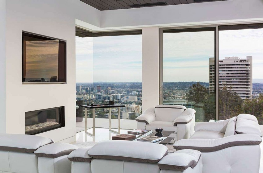 View in gallery Contemporary Home on Sunset Strip  10. Contemporary Home on Sunset Strip