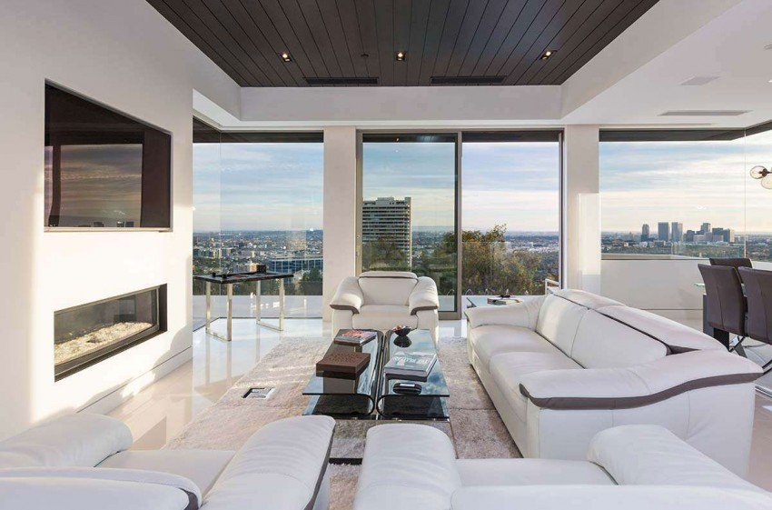 View in gallery Contemporary Home on Sunset Strip  11. Contemporary Home on Sunset Strip
