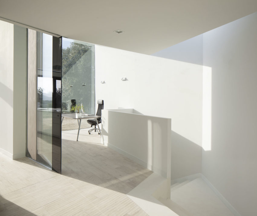 House and Studio YC by RTA-Office (8)